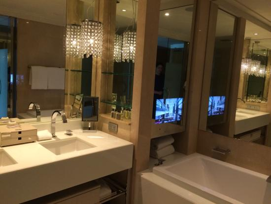 Bathroom picture of crown towers melbourne melbourne for Small bathroom design melbourne