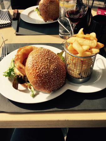 Burger new york picture of di piu nice tripadvisor - Restaurant di piu nice ...