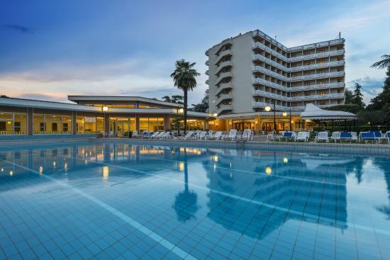 Apollo hotel terme 132 1 4 1 updated 2018 prices reviews montegrotto terme italy - Piscine termali montegrotto ...
