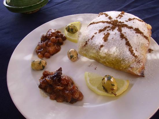 Auberge et Restaurant Jnane-Dar Diafa : Hühnchen-Pastilla