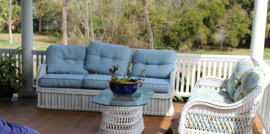 Surf Song Bed & Breakfast: porch area