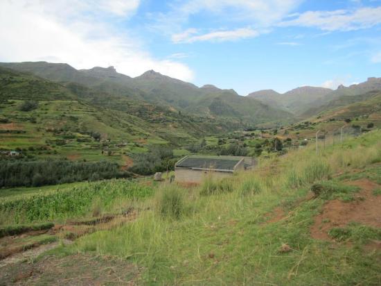 Roma Trading Post Lodge: Between Moteng Pass and Maseru