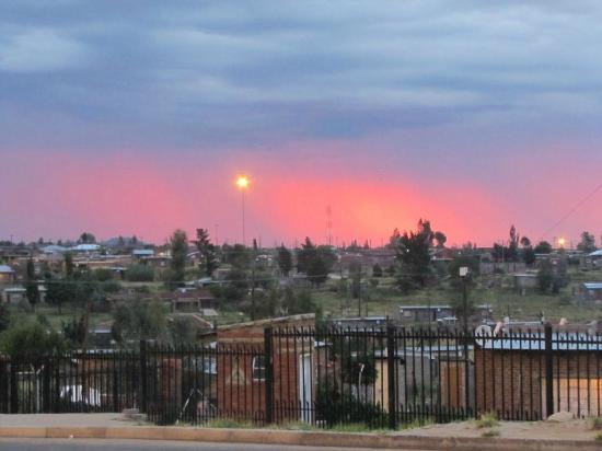 Roma Trading Post Lodge : Sunset over Maseru