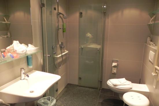Ohlstadt, Alemania: Badezimmer
