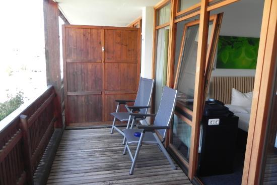 Ohlstadt, Alemania: grosszügiger Balkon