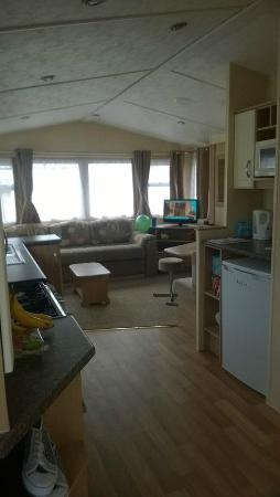 Seadown Holiday Park: Kitchen/Living area
