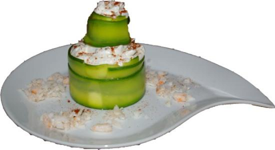 La Cognee: Un exemple d'entrée : roulé de courgettes à la crème de crabe