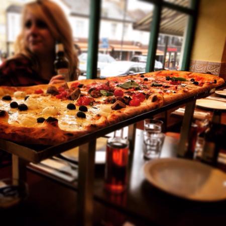 Pizza Metro Pizza: Our delicious pizza!