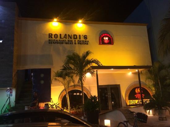 Rolandi's : Entrance