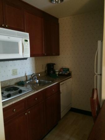 Homewood Suites by Hilton Sacramento-Roseville: Kitchen