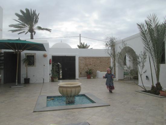 Maison Leila: The courtyard