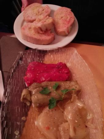 El Corral de Llers: Escalivada con su pan con aceite y tomate