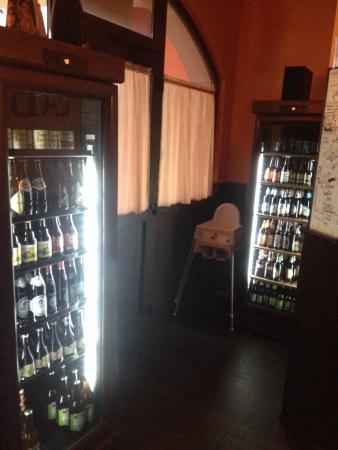 Monsampolo del Tronto, Italia: Birre in bottiglia, più di 60 etichette