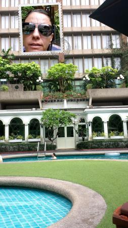 โรงแรมตวันนา: área da piscina do hotel