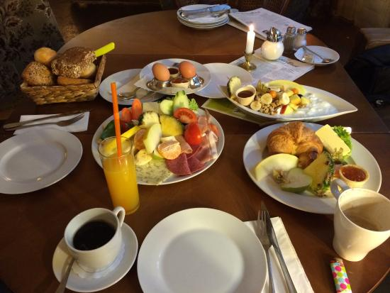 Cafe BilderBuch: Saturday brunch