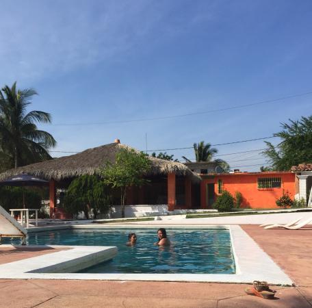 Hotel Villa las Brisas: Alberca del hotel