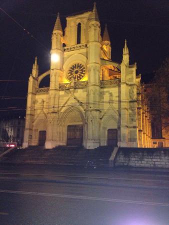 Notre Dame Basilica : At night
