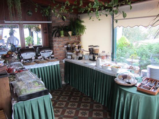 Dersaadet Hotel Istanbul: Breakfast buffet