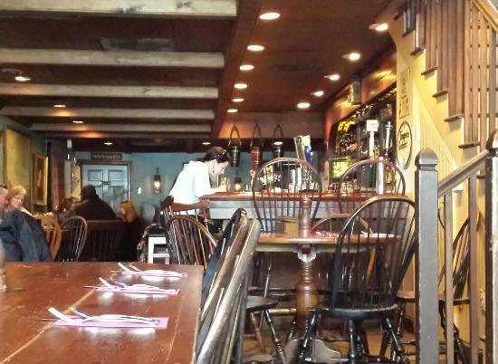 Jessop's Tavern: Inside Jessop's