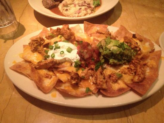 The Cheesecake Factory: Nachos