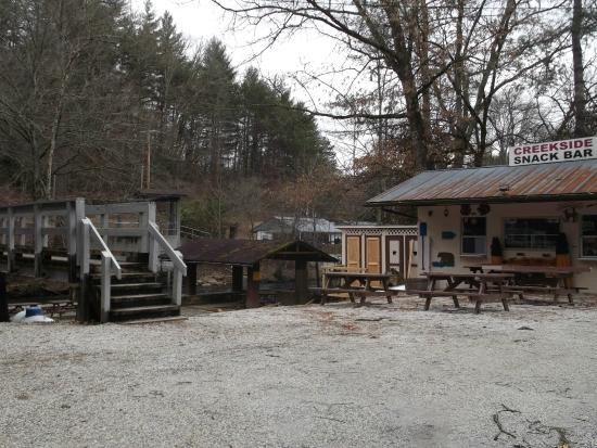 Deep Creek Tube Center & Campground: Deep Creek in The Great Smoky Mountains