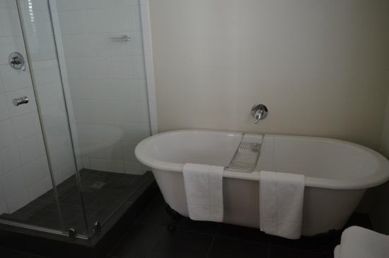 Underberg House: Bathtub
