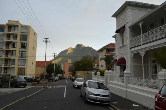 Underberg Guest House: outside of hotel