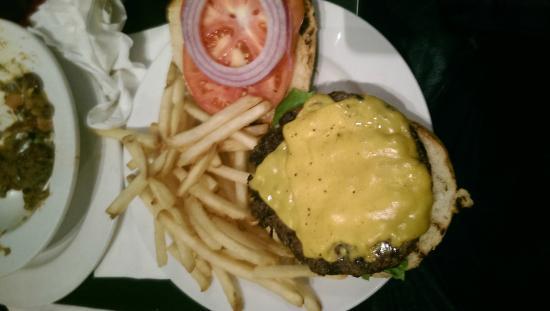 Bonnie's Grill: Burger