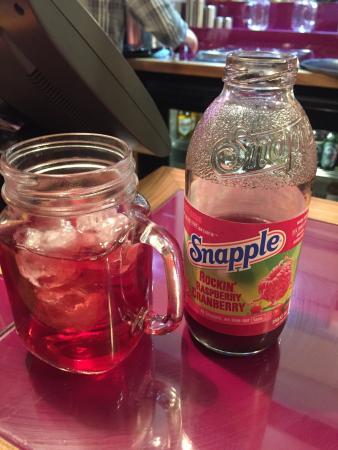 Herbie's American Bar & Grill: Snapple