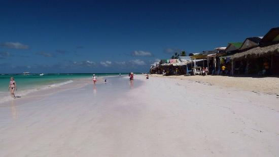 โรงแรมวิค อารีนา บลังกา: Winkels aan het strand