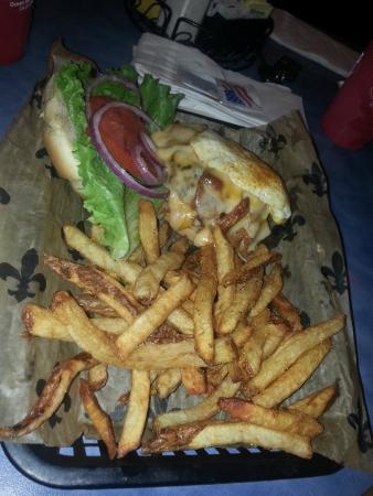 Woody's Roadside: hangover burger
