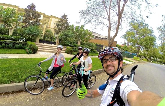 Visit Celebrity Homes And Beautiful Neighborhoods In Beverly Hills On Bike Tours Hollywood