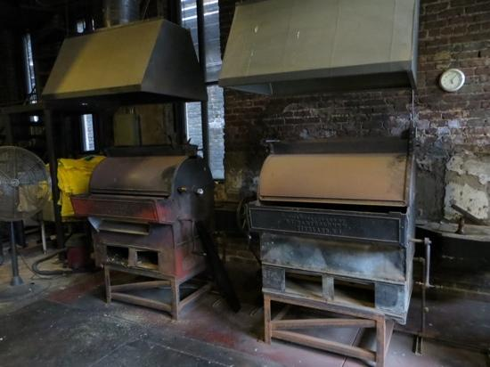 Peanut Depot: Antique roasters
