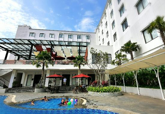 Padjadjaran Suites Hotel Bogor - room photo 4684467