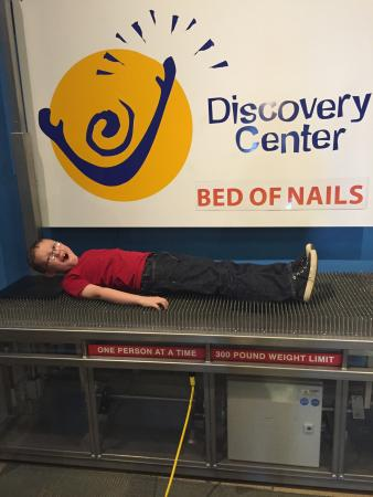 Discovery Center of Springfield: Enjoying the bed of nails!!