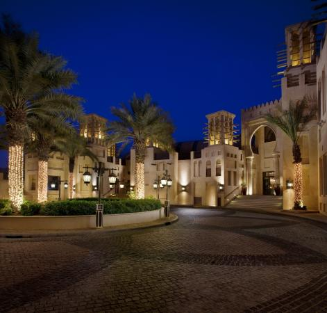 worth visiting but not spectacular review of souk madinat jumeirah
