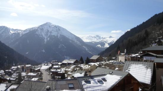 Hotel Ancolie: View down the Valley