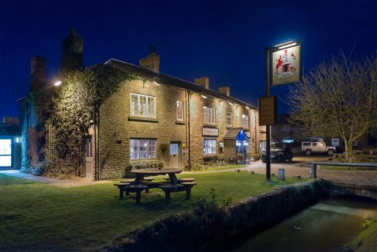 The Fairfax Arms: fairfax at night