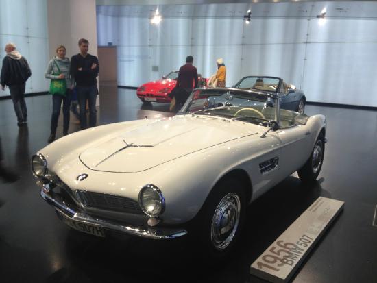 BMW Museum: Впечатляет