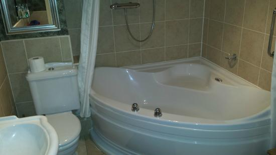 Bridge House Hotel: Double air bath
