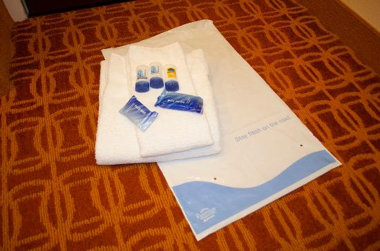 Fairfield Inn & Suites Dallas Las Colinas: The care package from house cleaning -- very thoughtful!