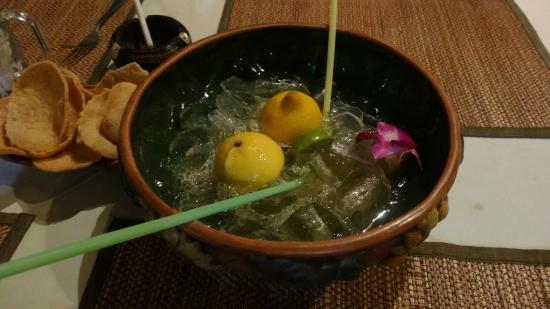 Aloha Diner & Bar: коктель