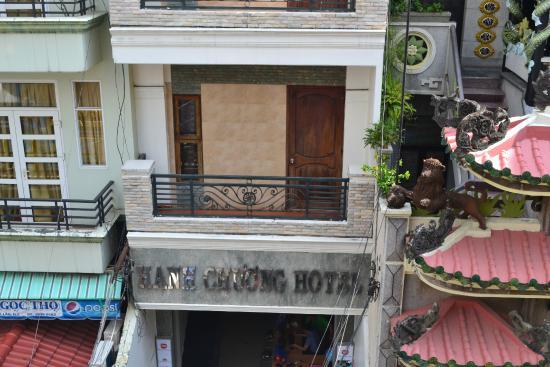 New York Thien Phuc Hotel: Вид с балкона