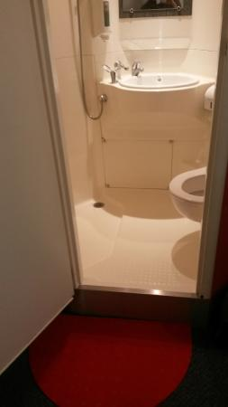 Hotel Lidotel : Cabine de douche tout en 1