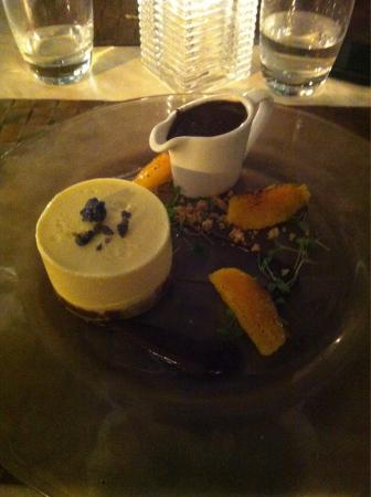 The Farmhouse at Redcoats: Delicious cheesecake pudding!