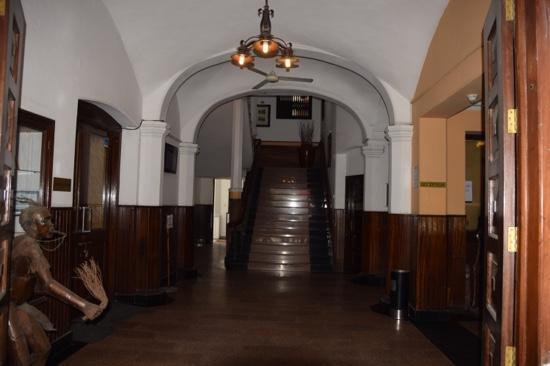 Castle Royal Hotel: Lobby