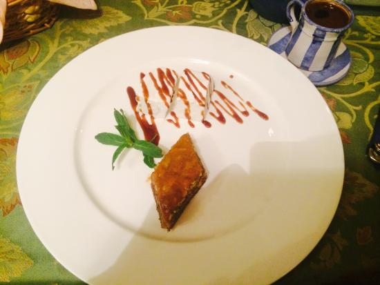 Dolmama Restaurant : Gorgeous Baklava and Armenian Coffee