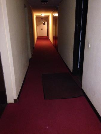 Hotel Jam Session: The obscure entrance to rooms
