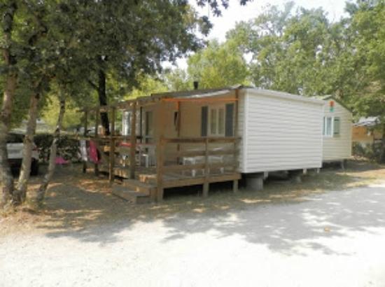 Camping Les Lacs : Un mobilhome