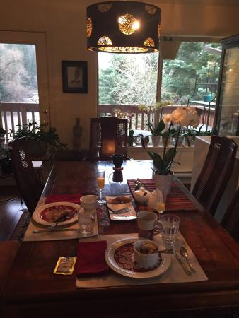 Bridal Veil Bed and Breakfast : Nice breakfast and fun conversation